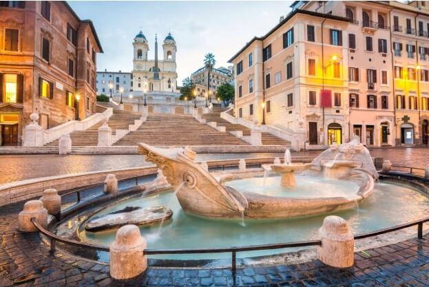 Roma Barcaccia Çeşmesi